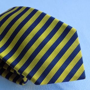 BROOKS BROTHERS MAKERS YELLOW AND BLUE STRIPED TIE